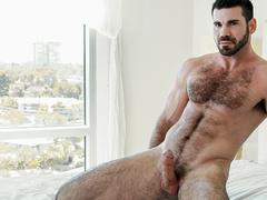 Kyle Kash awards gay boy with hot dick sucking