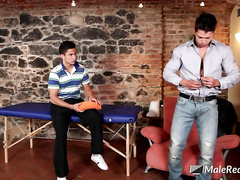 Amazingly sexy gay dude comes to massage saloon